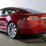 """Tesla a inlaturat termenul """"Autopilot"""" de pe site-ul din China al companiei, in urma unui accident"""